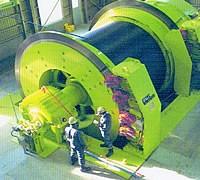 全長7000mの世界最長斜坑の巻上げ機(釧路炭坑提供)の写真
